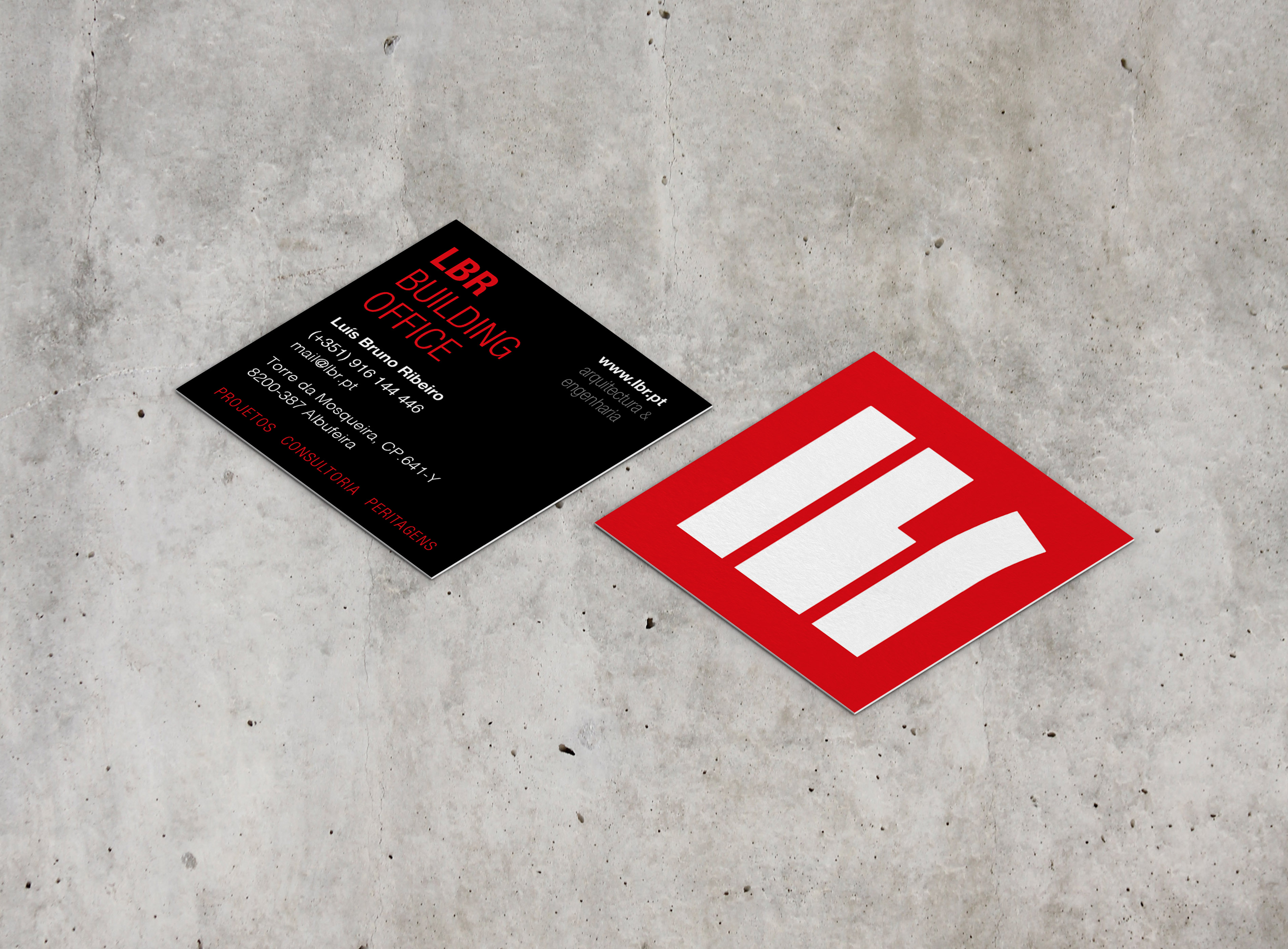 square_business_card_mockup_03