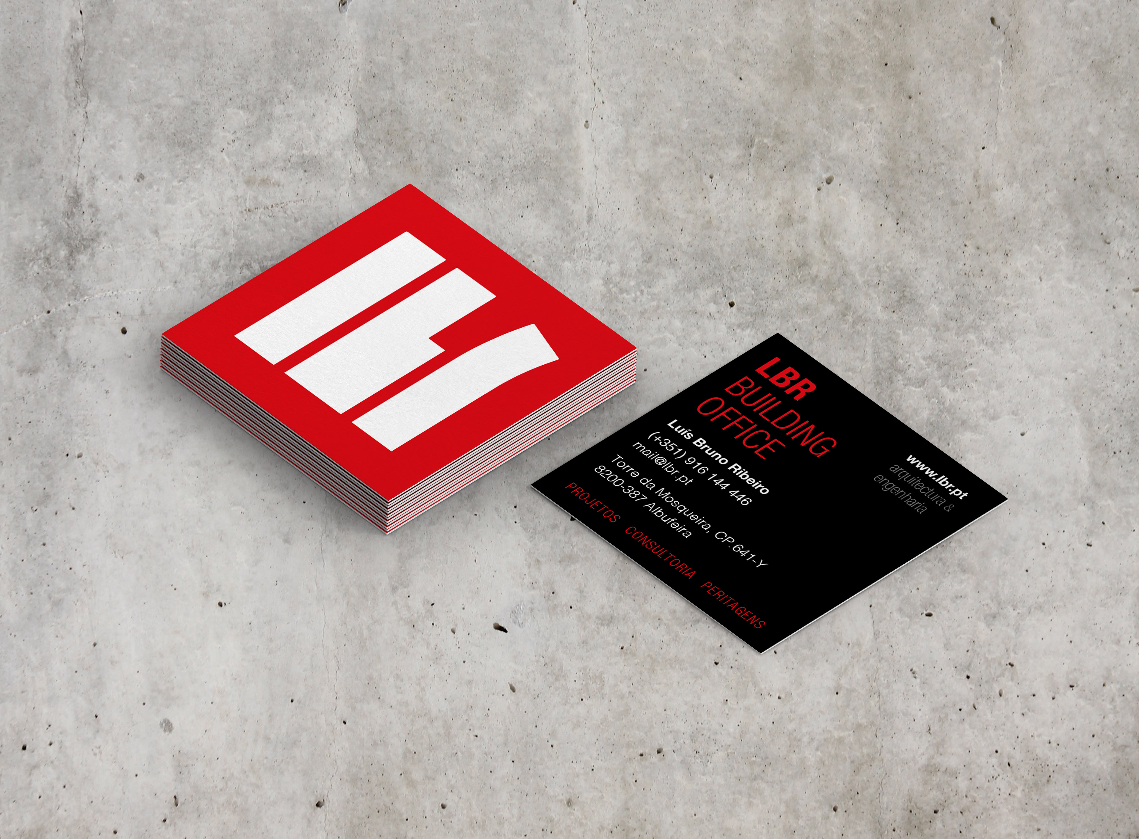 square_business_card_mockup_05