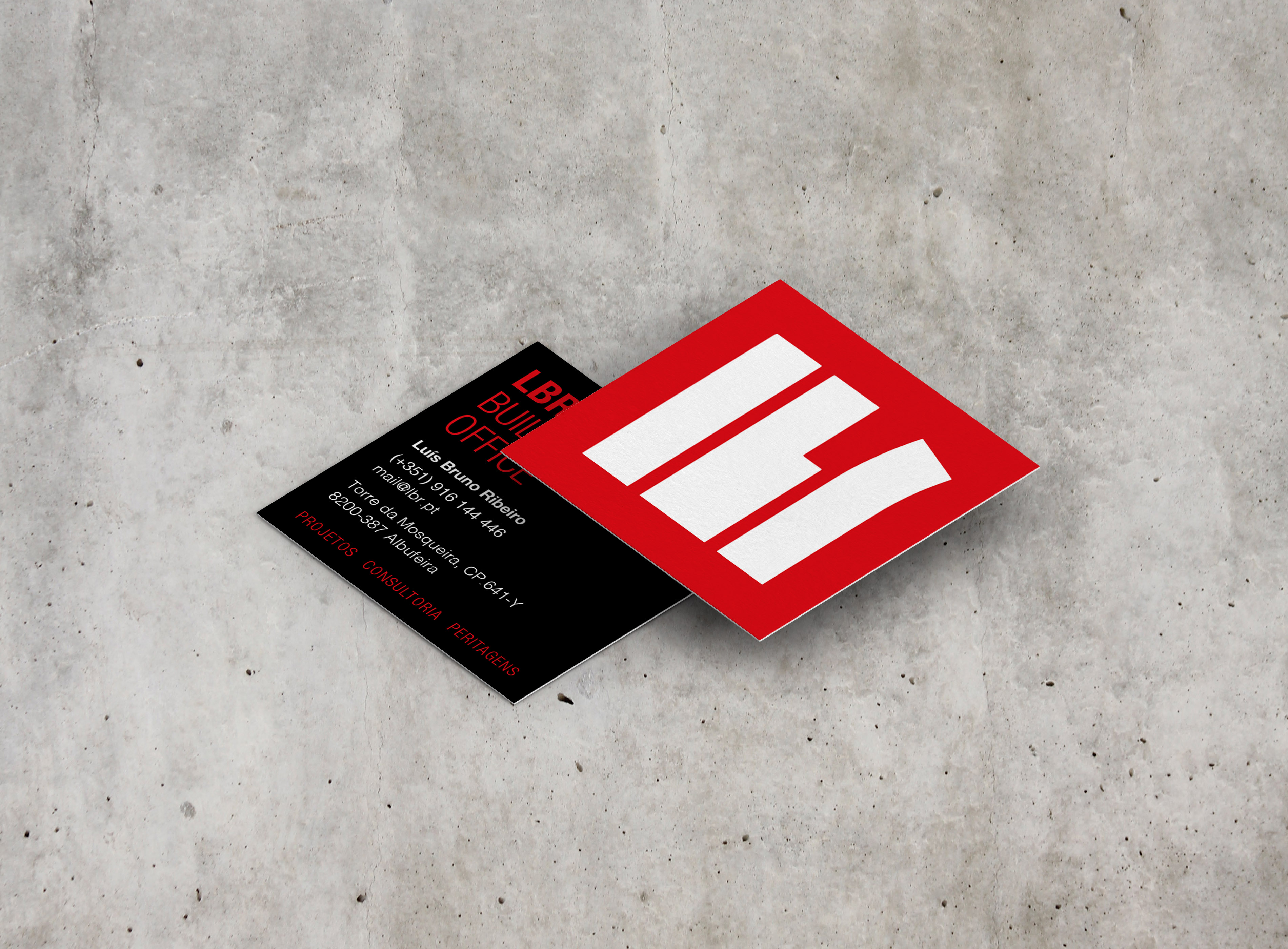 square_business_card_mockup_07